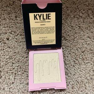 Kylie Highlighter in Quartz